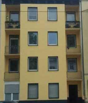 2. OG mit Balkon, topsanierte Wohnung in gepflegtem Haus in zentraler Lage als Kapitalanlage