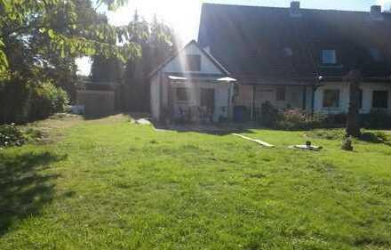 3 WG-Zi. in Haus HH-Billwerder, kompl. möbl. 2 x Bad, Kü+WZ, 500 m zur S-Bahn , geeign. für Student