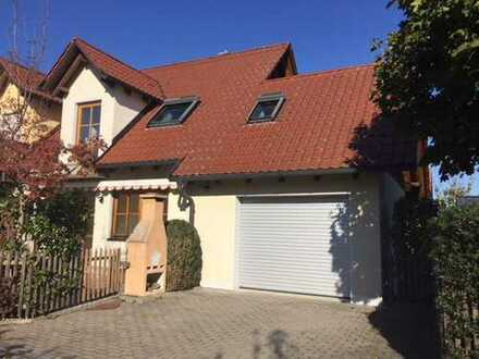 Charmante Doppelhaushälfte*176 m² Wohn-/Nutzfläche*Ruhig*Stadtnah im Grünen**