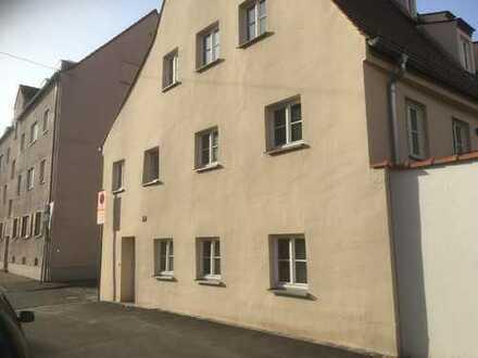 Schöne, geräumige ein-Zimmer Wohnung in Augsburg, Innenstadt