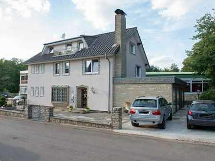 Tolles Mehrfamilienhaus mit Gewerbeimmobilie in Traumlage in Porta Westfalica.