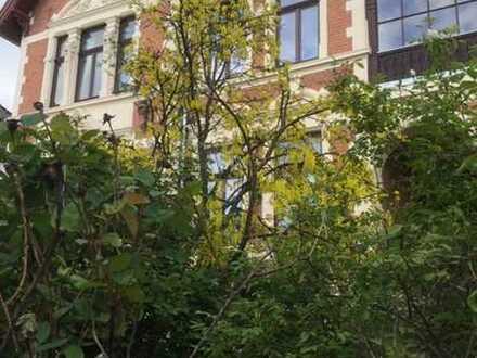 Helle sanierte Altbau-Wohnung mit Wintergarten, 3 Zimmer