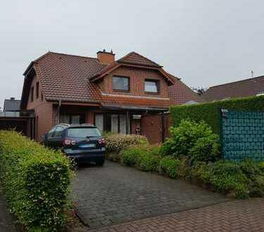 ## Exclusive Doppelhaushälfte mit Einbauküche in bevorzugter Wohngebietslage ##