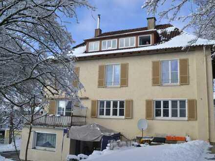 Im Herzen von Ochsenhausen, großzügige 4-Zimmer-Wohnung mit Balkon und Einbauküche in Ochsenhausen