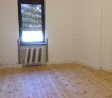 Charmante 4 Zimmerwohnung, 990 €, 110 m², in ökologisch saniertem Altbau