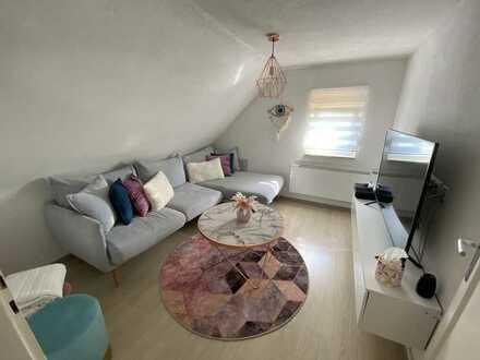 2 Zimmer Dachgeschoss Wohnung zu Vermieten!