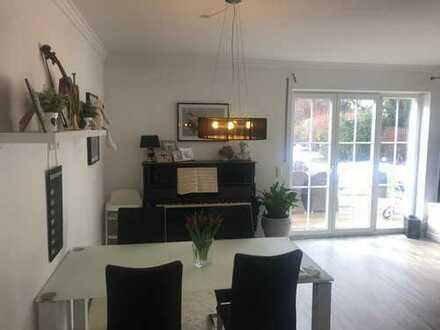 hochwertige 4,5 Zimmer Wohnung mit Garten und Garage, Zweitbezug