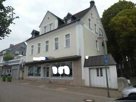 Wohn- und Geschäftshaus im Ortszentrum