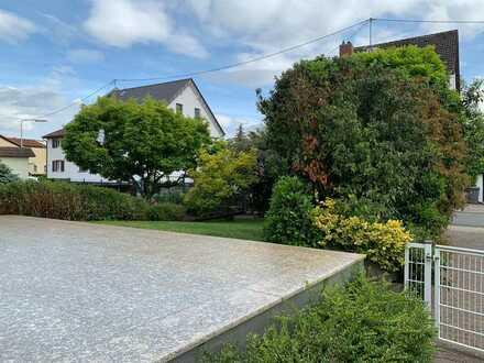 Gepflegte Doppelhaushälfte mit wunderschönem Garten in Schwanheim, Frankfurt am Main