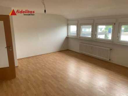 *Nähe Ikea* Frisch sanierte 3 Zimmer DG-Wohnung in Rintheim