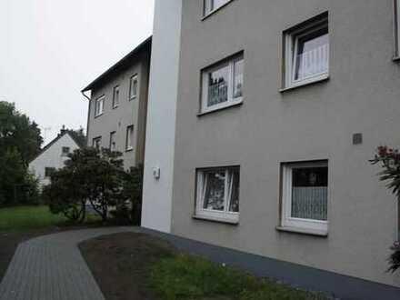 Geräumige Dachgeschosswohnung in ruhigem Seniorenwohnhaus