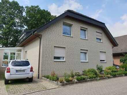 Schönes Zweifamilienhaus in einer ruhigen Lage in der Dodesheide
