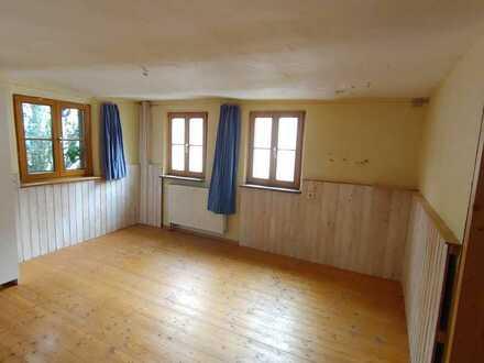 Renovierungsbedürftige 6-Zimmer-Doppelhaushälfte zum Kauf für Handwerker in Erdmannhausen