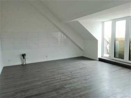 Dachgeschoss-Apartment im Grünen mit Dachterrasse und Stellplatz Erstbezug!