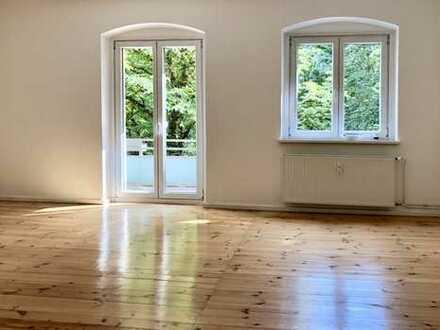 Schöne, sehr gepflegte und großzügige 3-Zimmer-Wohnung in Berlin-Weißensee Balkon Dielenboden 1.OG