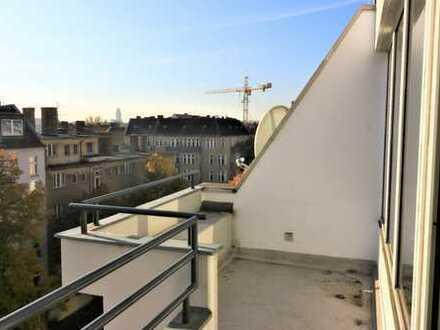 Sanierte Dachgeschosswohnung am Maybachufer *WG geeignet*