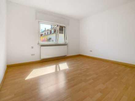 Feudenheim - schöne 3-Zimmer-Wohnung für max. 2 Pers. im 1. OG ohne Balkon und keine Gartennutzung