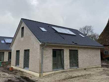 Neubau - Bungalow mit ca. 136 m² Wohn- und Nutzfläche