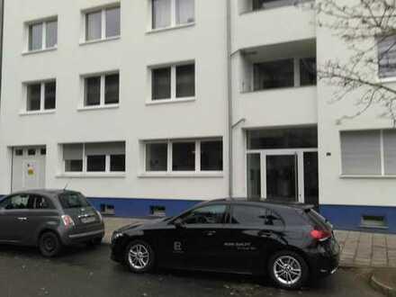 Stilvolle 2 Zimmer Hochparterrewohnung mit Einbauküche in Düsseldorf Unterbilk, direkt am Rhein