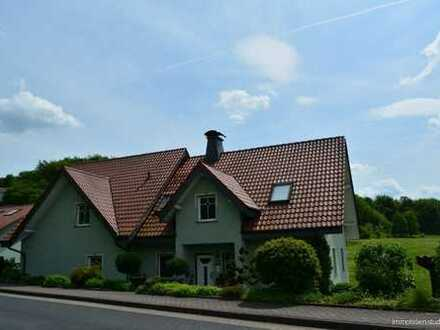 Eiterfeld-OT*freistehendes, modernes Zweifamilienhaus mit viel Platz*Hochwertige Ausstattung*