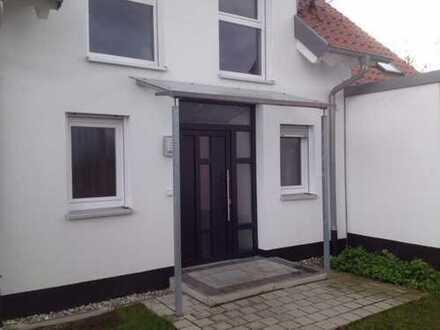 Schönes, geräumiges Haus mit fünf Zimmern in Fürth, Stadeln / Herboldshof / Mannhof