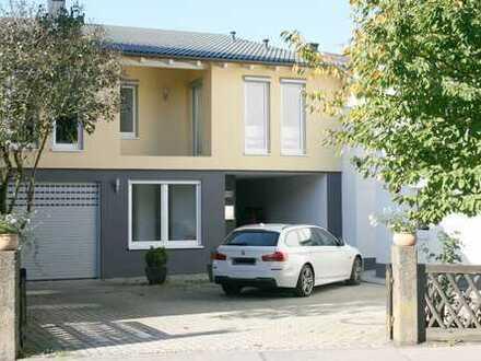 Schönes, geräumiges, deckenhohes, Pultdach-Haus mit vier Zimmern+Galerie in Coburg, Lautertal