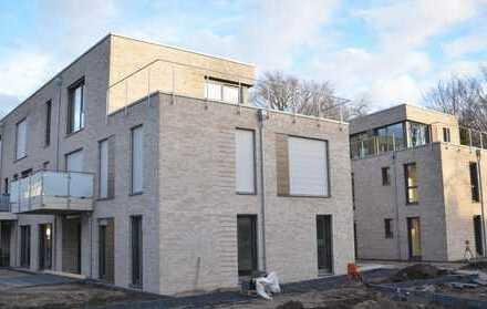 Lichtdurchflutete Neubau-Erdgeschosswohnung in zentraler Lage von Cloppenburg!