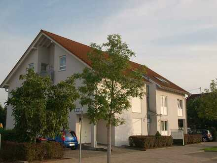2-Zimmer-Dachgeschosswohnung mit Balkon und Einbauküche in Karlsruhe-Hagsfeld