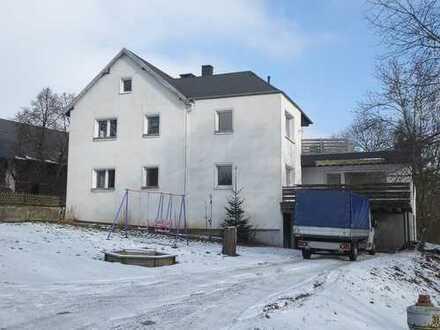 Zweifamilienhaus mit schönem Garten Nähe Bad Steben