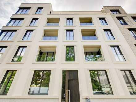 Pied-à-terre: 2-Zimmer-Apartment mit EBK und Loggia zum Alten Markt, Erstbezug
