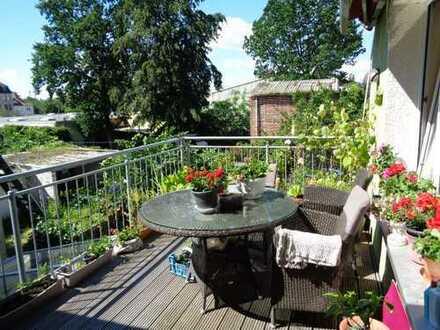 große 4 ZKB, kleiner HWR, 2 Balkone, mit Einbauküche