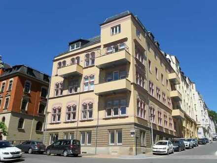++ helle 3-Raum-Wohnung mit Balkon, großer Küche, Wanne und Dusche ++