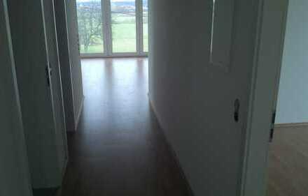 Exklusive, neuwertige 3-Zimmer-DG-Wohnung mit Balkon in Reutlingen