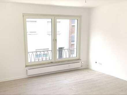 **Helle und neu renovierte 2 - Zimmer Wohnung in Alt Homberg**