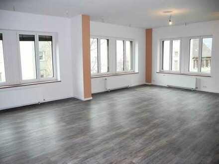 Kaufpreis gesenkt !! Genießen Sie den Stadtflair Neustadts in schicker 2-3 Zi. Wohnung