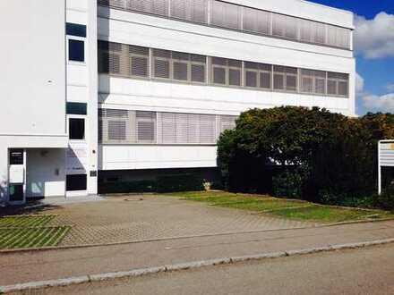Produktionhalle und Lagerfläche mit Büroräumen mit perfekter Anbindung an B27