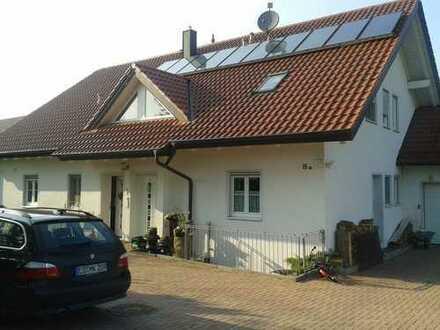 Exklusive, neuwertige 2-Zimmer-EG-Wohnung mit Terrasse und Einbauküche in Eicherloh