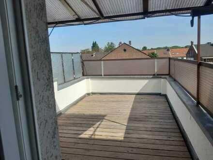 Erstbezug nach Sanierung: 3 Zimmerwohnung mit großzügiger Terrasse!