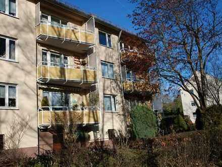 Große 4 Zimmer-Dachgeschoss-Maisonettewohnung mit 2 Bädern + Garage in N.-St. Jobst
