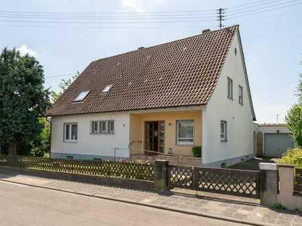 Gepflegtes Einfamilienhaus mit Garten im Zentrum von Lustadt