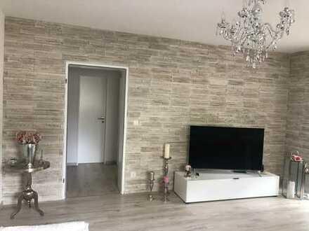 Moderne, vollständig renovierte 3-Zimmer-Wohnung mit Balkon und Stellplatz in GP-Faurndau (Haier)