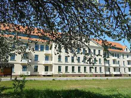 """""""Am Funkerberg"""" - Wohnen im Grünen: Stilvolle 2-Zimmer-Wohnung mit Blick zum Festplatz"""