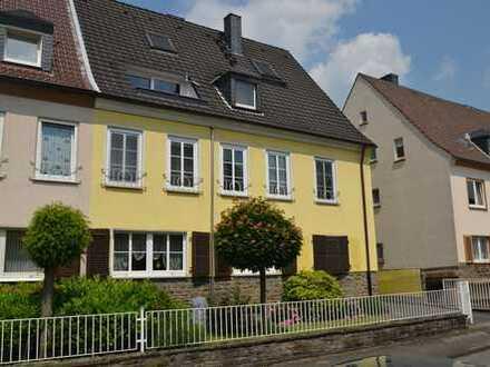 Gelsenkirchen- Feldmark- Maisonettewohnung in bevorzugter, ruhiger Lage mit Dachterrasse !
