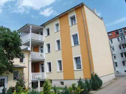 Große 3-Zimmer-Dachgeschosswohnung mit Balkon und Einbauküche in der Südlichen Mühlenvorstadt