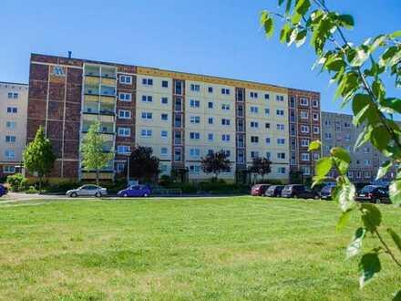 3 Zimmer mit Balkonverglasung - ruhiges Wohnen im Grünen!!