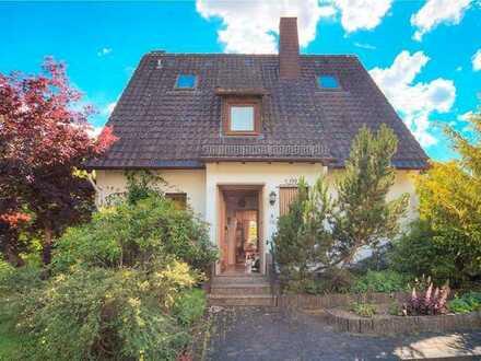 Hübsches Wohnhaus in sehr schöner Wohnlage