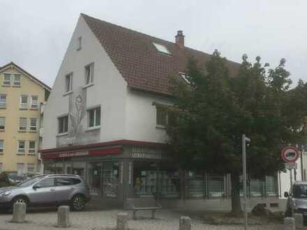 Das besondere Objekt: frisch sanierter Laden + zwei Wohnungen