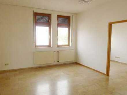 Sofort frei! Barrierefreie, helle 3 ZKB-Wohnung mit vielseitiger Nutzung!