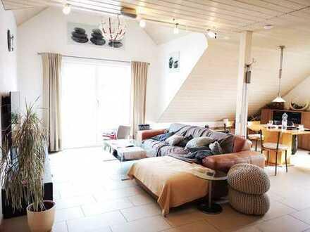 Manching! 2 Zimmer DG-Wohnung mit Umbaupotenzial zur 3-Zimmer Wohnung in ruhiger Lage