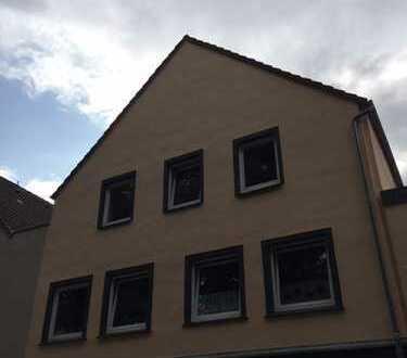 Itzehoe-Zentrum: berufstätiger Mieter für kleine, gemütliche Wohnung im 2.OG gesucht